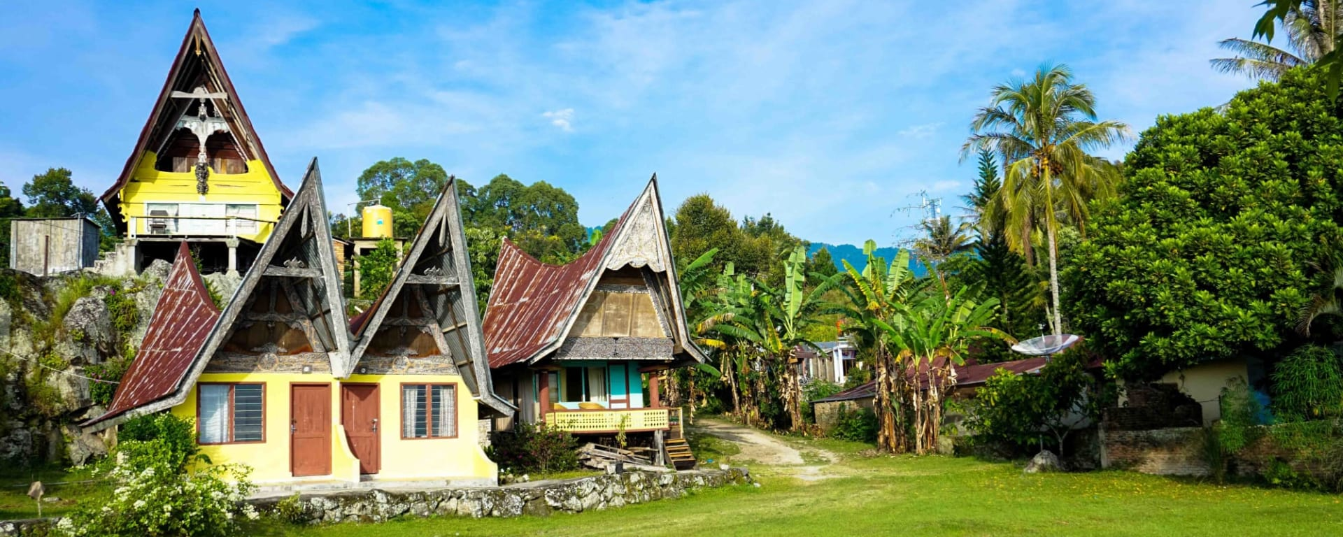Überlandreise Sumatra ab Medan: Indonesien Sumatra Toba See Karo Dorf