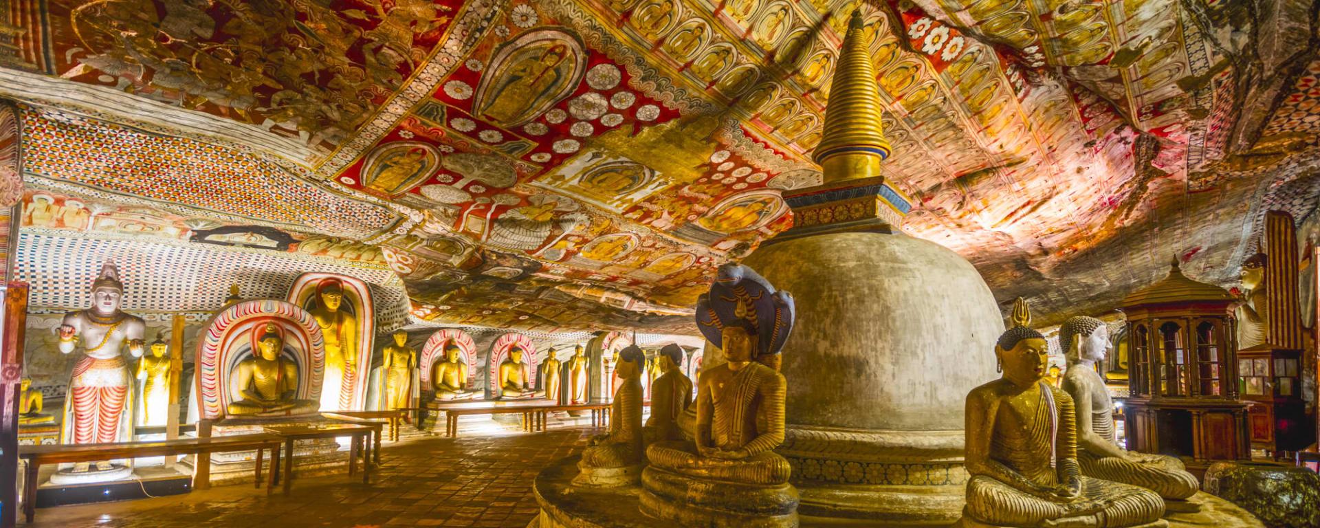 Sri Lanka entdecken mit Tischler Reisen: Sri Lanka Dambulla Hoehlentempel