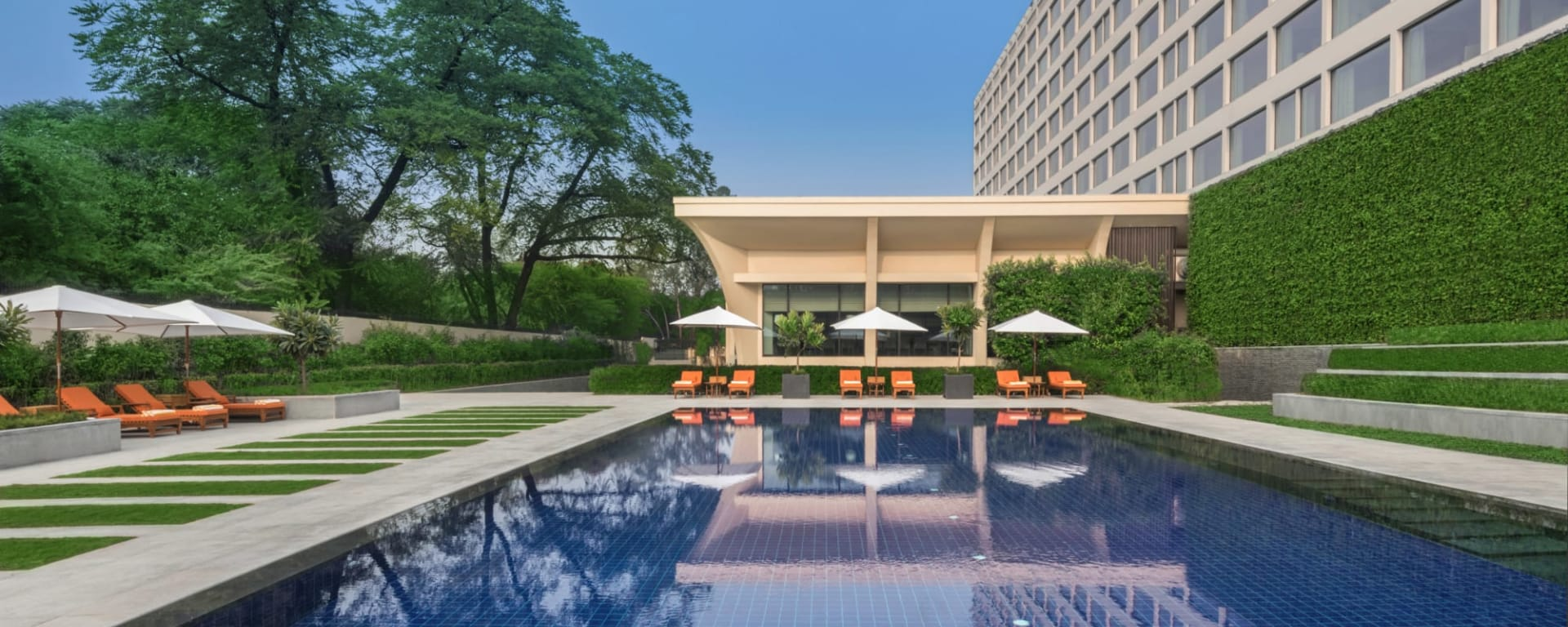 The Oberoi New Delhi: The Oberoi New Delhi Pool