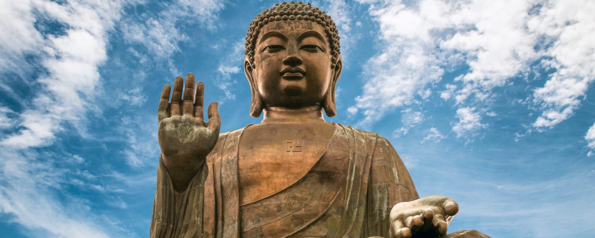 Hong Kong entdecken mit Tischler Reisen: Hong Kong Lantau Tian Tan Buddha