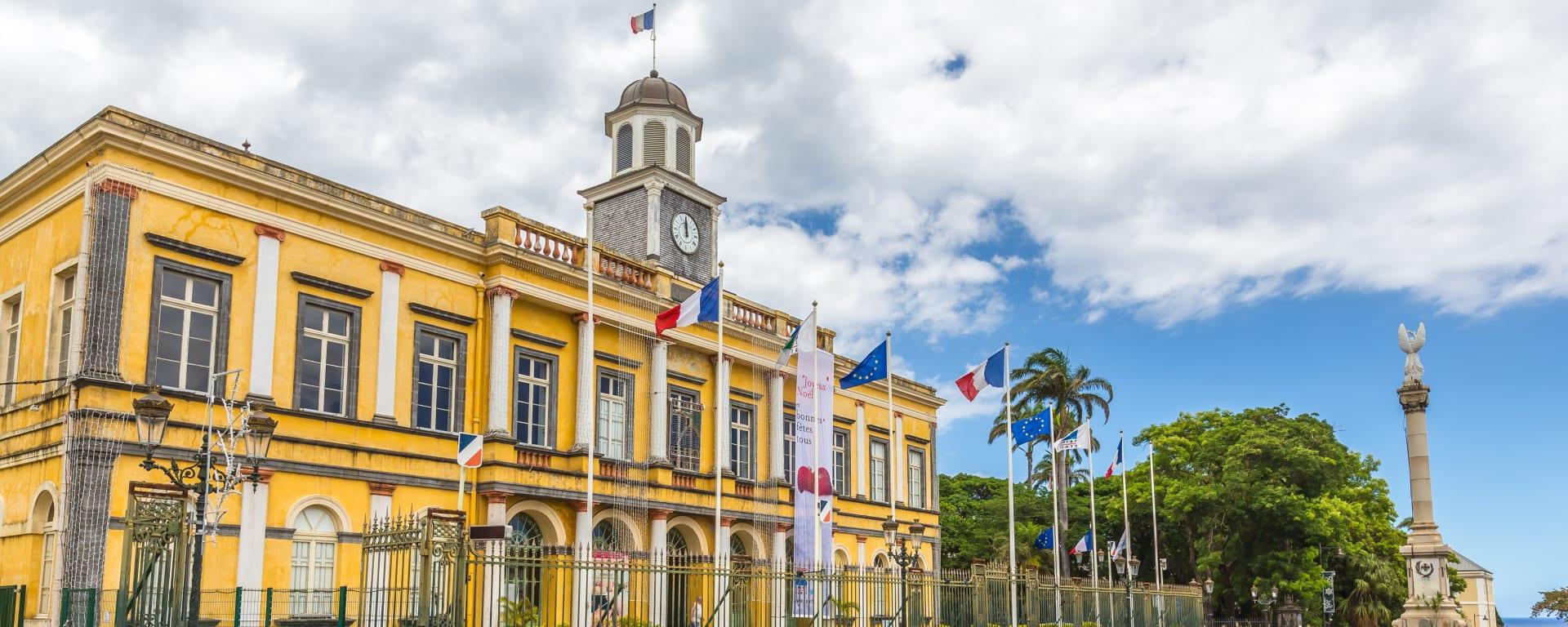 Réunion entdecken mit Tischler Reisen: Reunion Saint Denis Rathaus