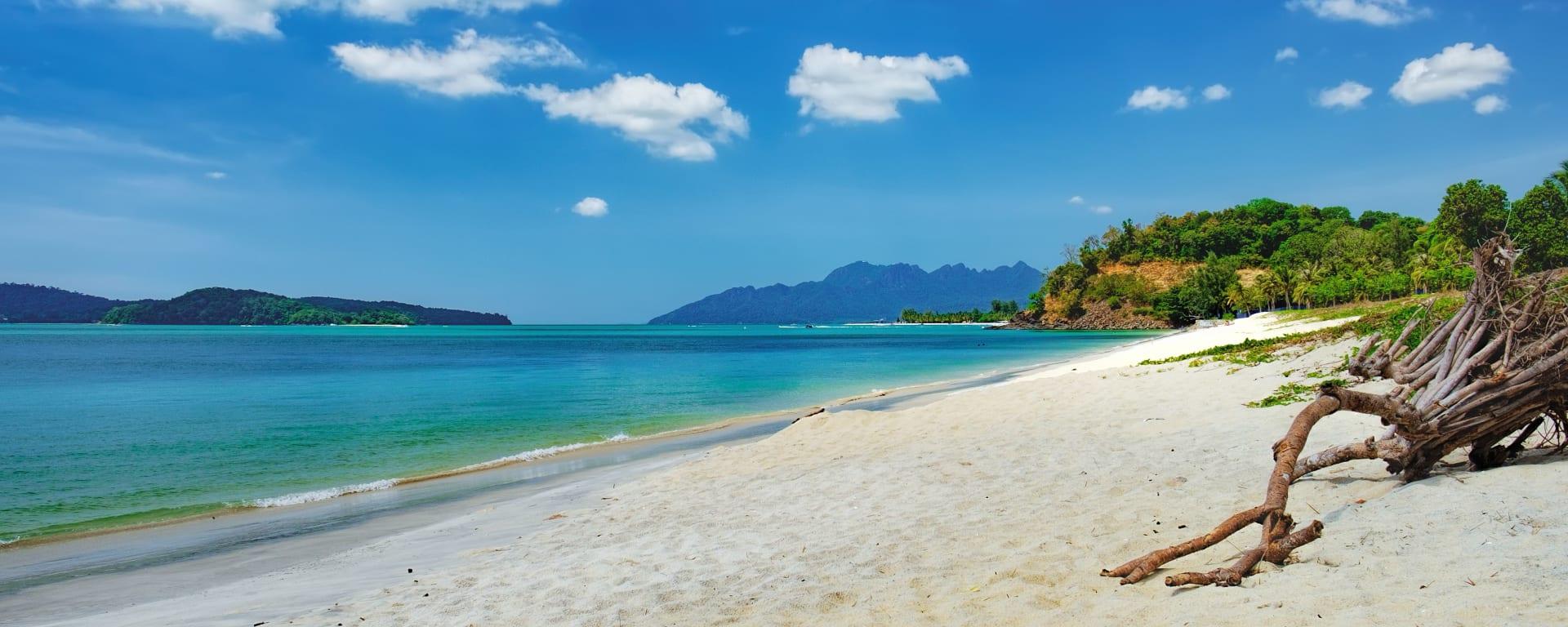 Malaysia entdecken mit Tischler Reisen: Malaysia Langkawi Pantai Tengah Beach