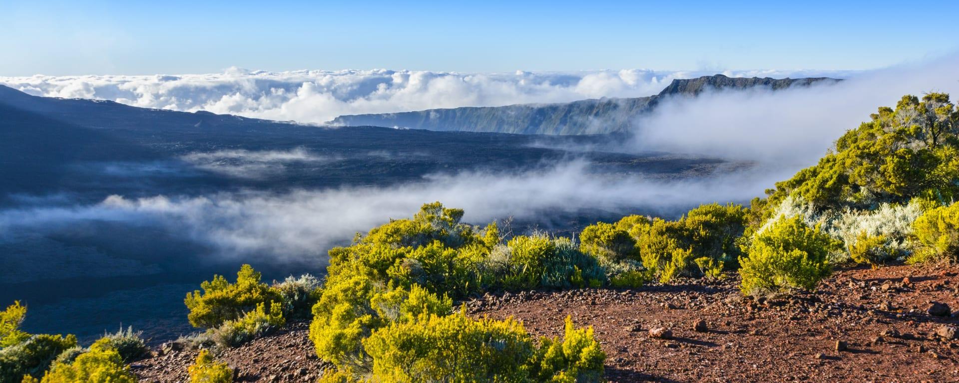 Höhepunkte La Réunion ab Küstenregion: Reunion Vulkan Landschaft
