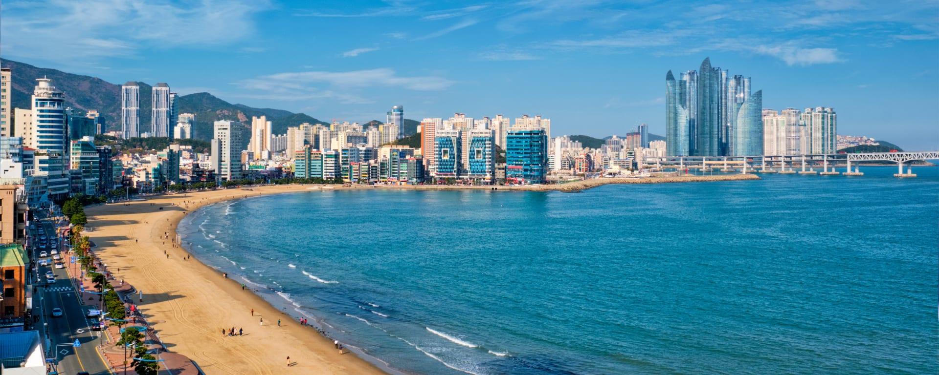 Südkorea individuell mit dem Zug ab Seoul: Korea Busan Skyline Strand