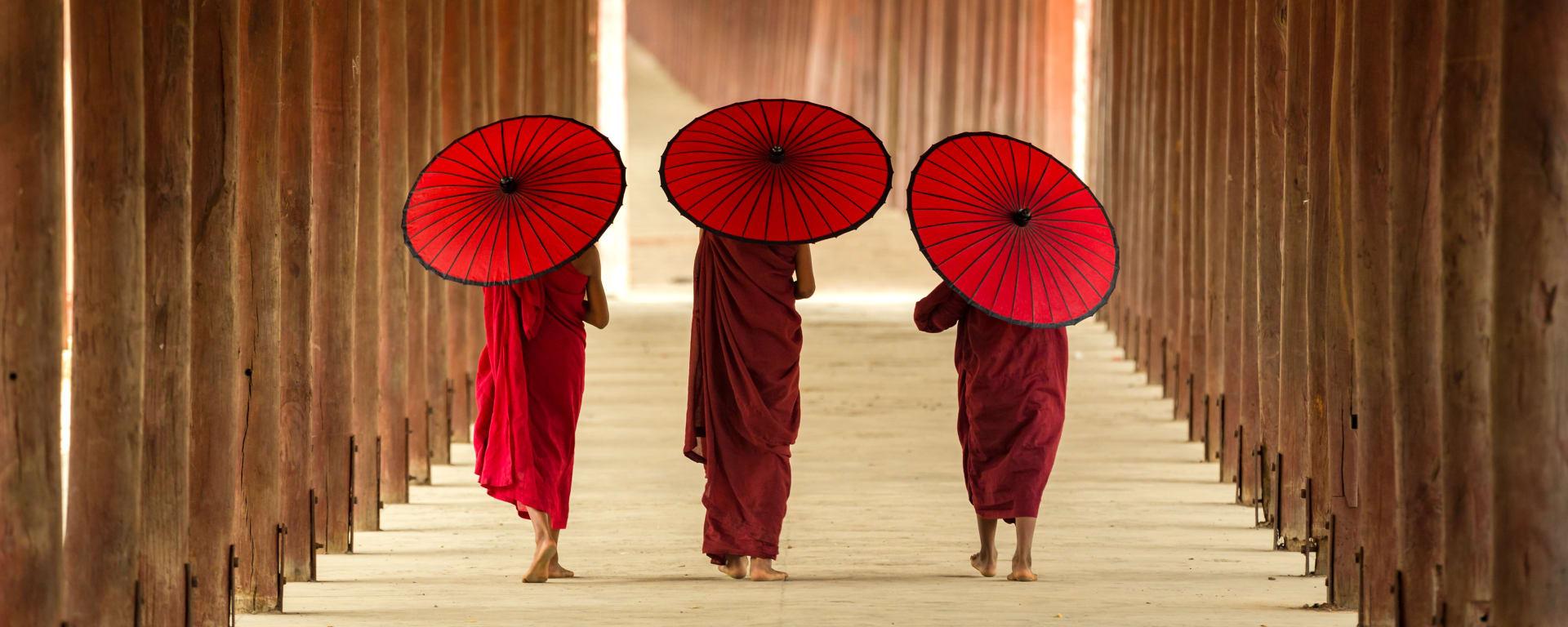 Myanmar entdecken mit Tischler Reisen: Myanmar Mandalay Moenche