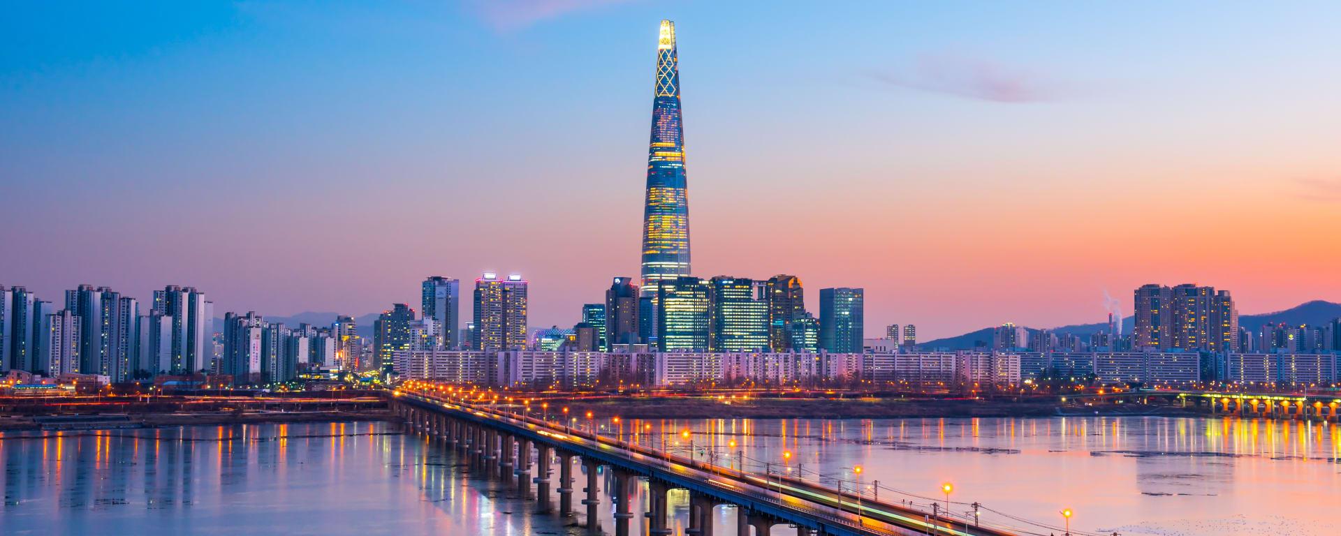 Südkorea entdecken mit Tischler Reisen: Korea Seoul Han River Skyline