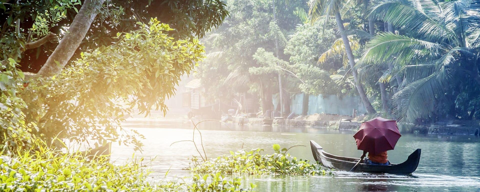 Indien entdecken mit Tischler Reisen: Indien Kerala Backwaters Boot
