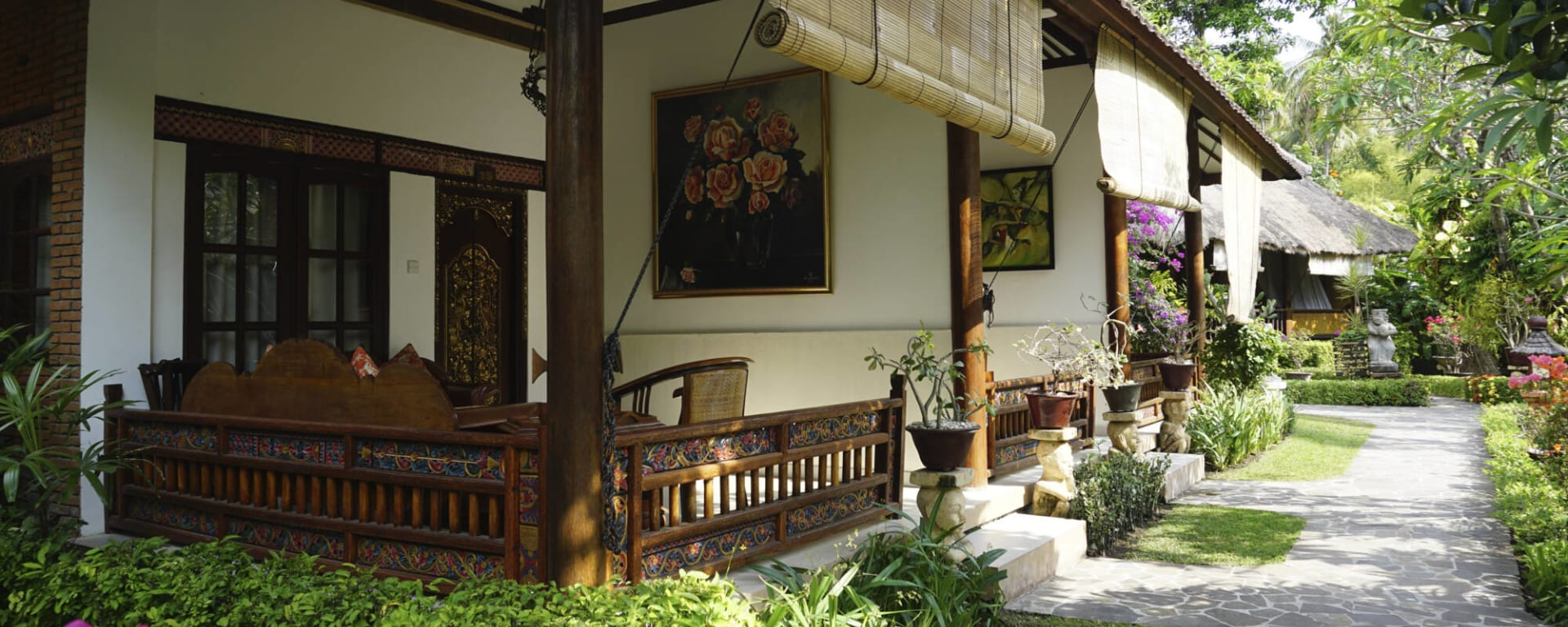 Puri Mas Beach Resort in Lombok: Lombok Puri Mas Reach Resort Quirky Garten Zimmer