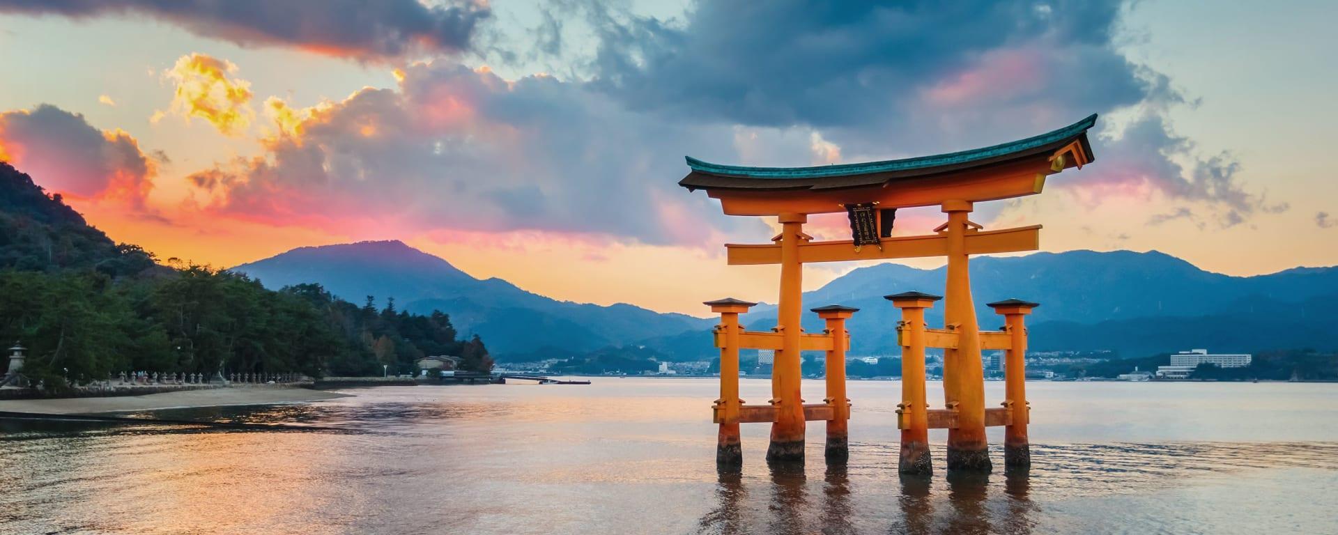 Japan entdecken mit Tischler Reisen: Japan Insel Miyajima Toori