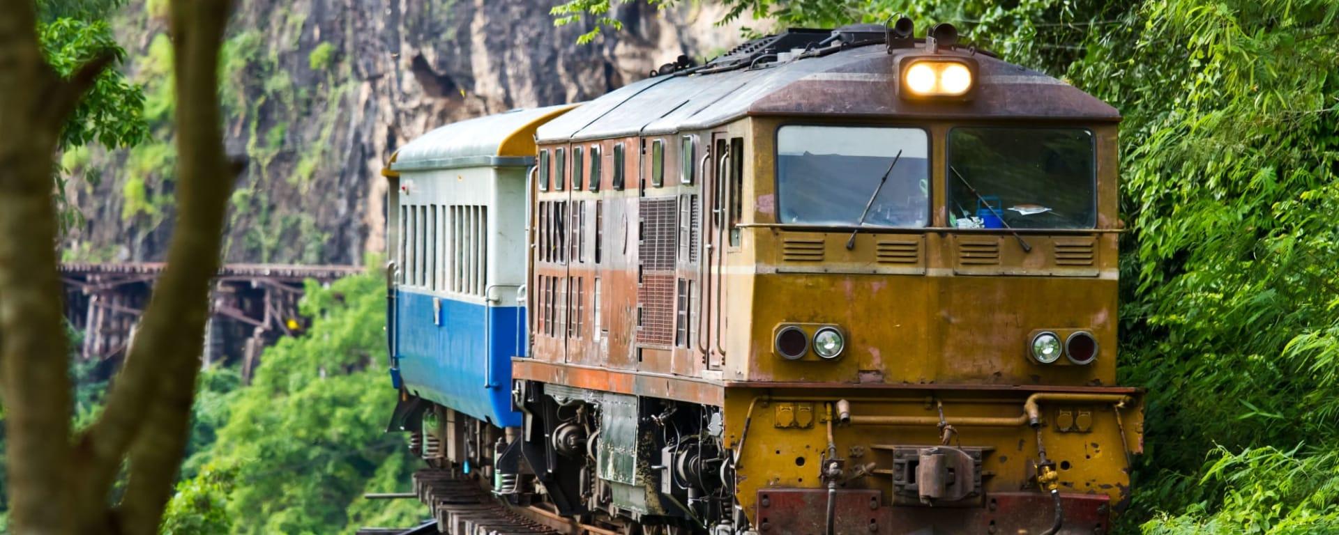 Soft Adventure River Kwai ab Bangkok: Thailand Kanchanaburi River Kwai Zugfahrt