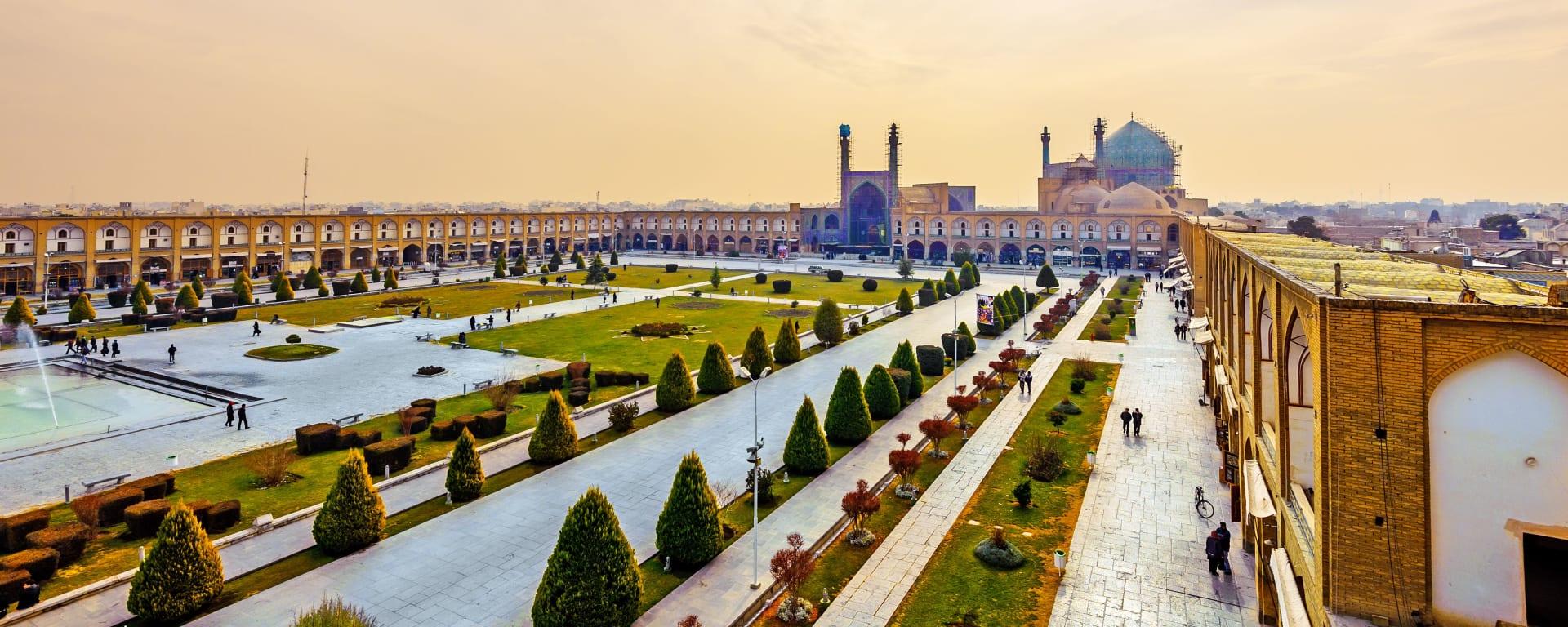 Iran entdecken mit Tischler Reisen: Iran Isfahan Imam Platz