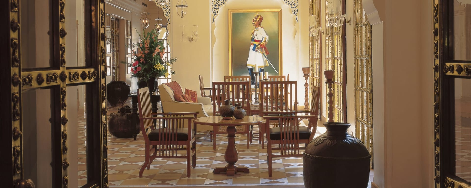 The Oberoi Rajvilas in Jaipur & Umgebung: Jaipur The Oberoi Rajvilas Lobby