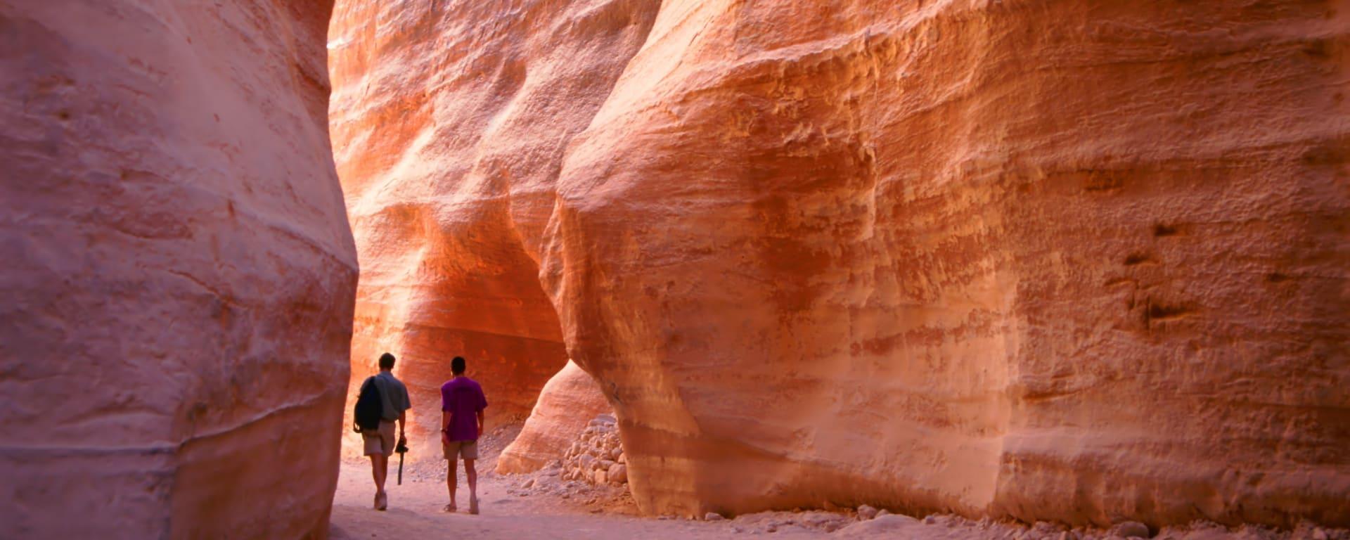 Jordanien entdecken mit Tischler Reisen: Jordanien Petra Schlucht Siq