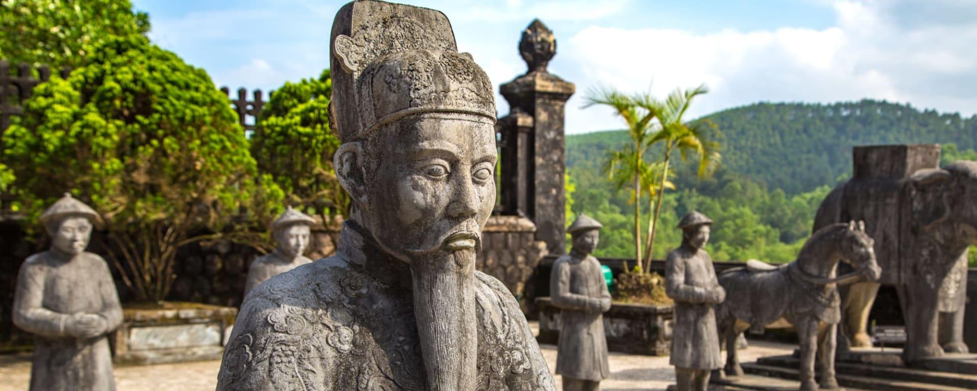 Höhepunkte Vietnams ab Hanoi: Vietnam Hue Kaisergrab Khai Dinh