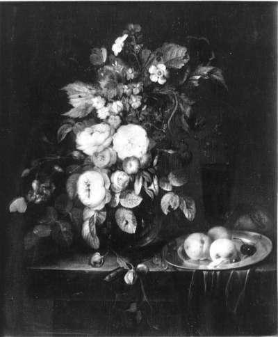 Blumenstück mit Früchten