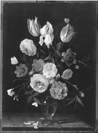 Blumenstrauß in einer Glasvase