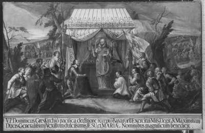Pater Dominicus benediziert zwei Fahnen mit den Monogrammen Jesu und Maria