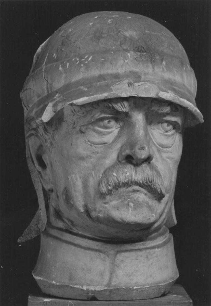 Kopffragment des Originalmodells für das Reiterstandbild von Otto von Bismarck