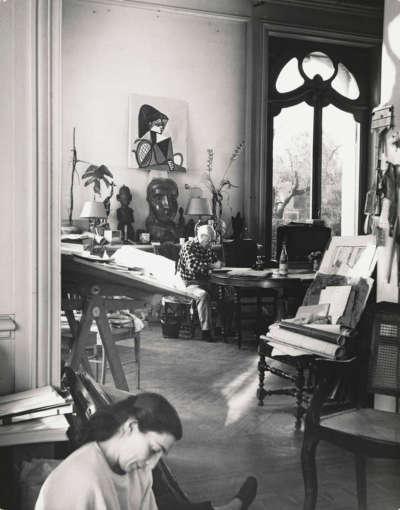 Picasso et Jacqueline dans su atelier de la Califonie, Cannes le 4.XI.1955
