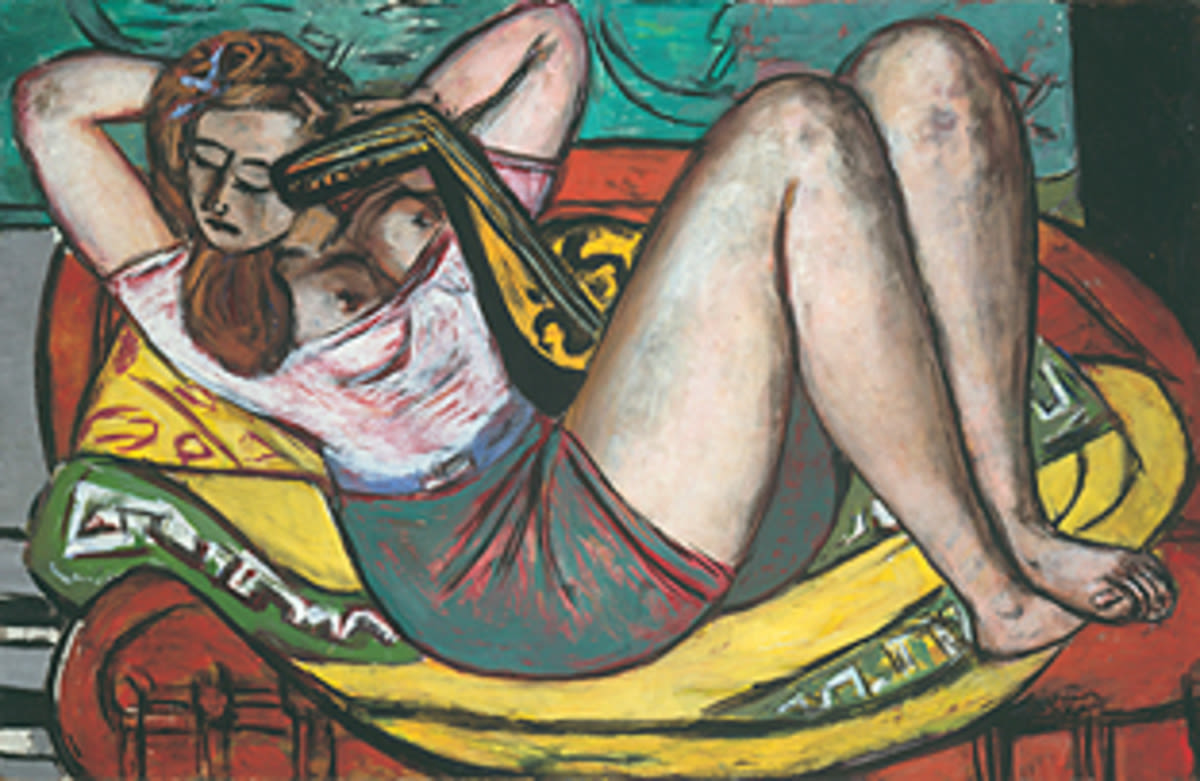 Frau mit Mandoline in Gelb und Rot