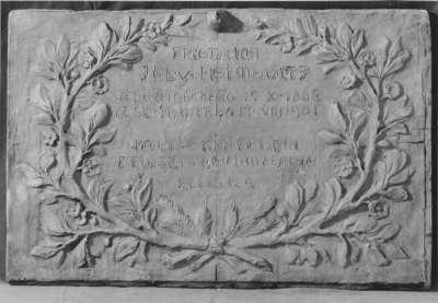 Modell für die Grabtafel von Friedrich Julius von Helmholtz an der Familiengrabstätte in Berlin