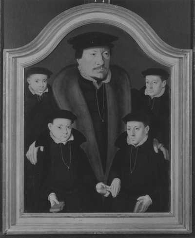 Familienbildnis: Ein Vater mit vier Söhnen