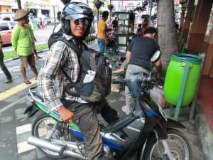 Saturi mit seinem Scooter