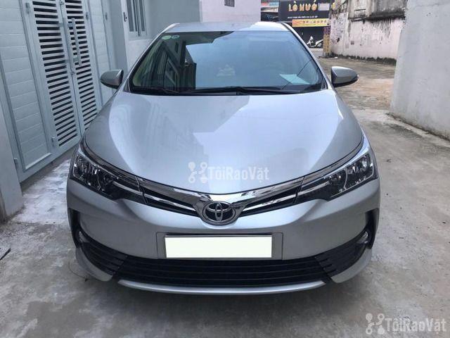 Cần bán gấp xe Toyota Corolla Altis 1.8E màu bạc số tự động đời 2017 - 1/1