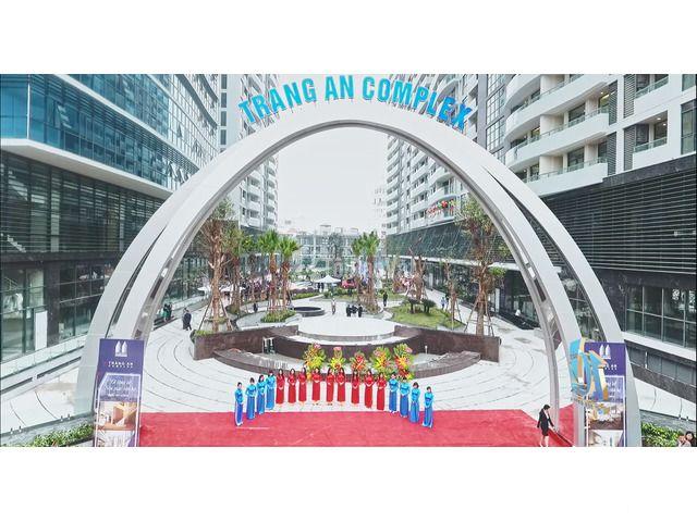 Chính chủ bán căn hộ Tràng An complex CT2, đã có sổ hồng BC Nam 145m2 - 4/4