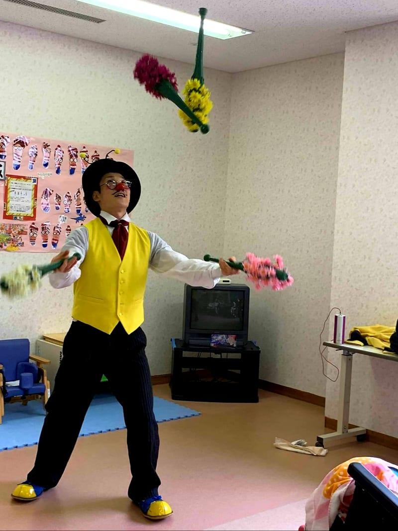 7月10日  茨城県 病院の小児病棟にてパフォーマンスさせて頂きました。