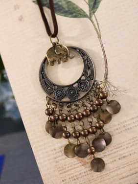 Women Elephant Shaped Tassels Necklace