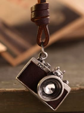 Exquisite Camera Cownhide Leather Necklace