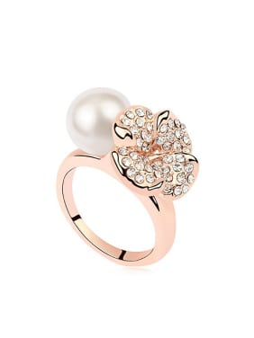 Personalized Imitation Pearl Shiny Crystals-Covered Flower Alloy Ring