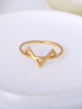 Women Delicate Triangle Shaped Ring