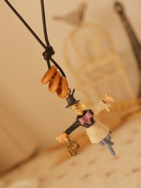 Unisex Cute Scarecrow Shaped Necklace