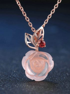 Beautiful Flower Shaped Pendant with Rose Gold Plated