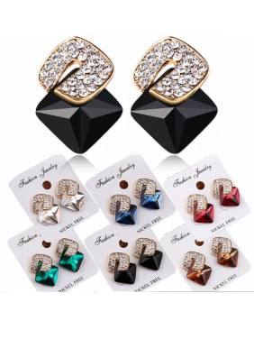 Zinc Alloy With 18k Gold Plated Fashion Geometric Stud Earrings