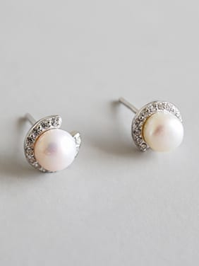 925 Sterling Silver  Round Pearl Stud Earring