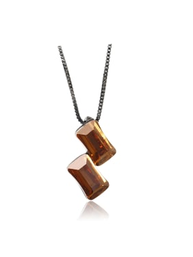 Exquisite and compact three-dimensional  Swarovski element crystal necklace