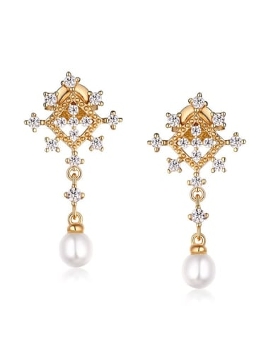 925 Sterling Silver With Freshwater Pearl Delicate snowflake Stud Earring