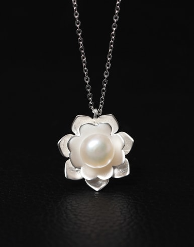 Aesthetic Palace Flower Women Necklace