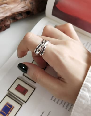 925 Sterling Silver With Platinum Plated Vintage Rings