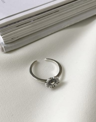 925 Sterling Silver With Antique Silver Plated Classic Flower Rings