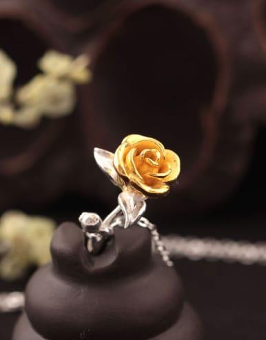 Rose Pendant Women Fashionable Necklace