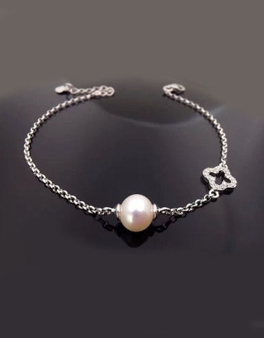 Freshwater Pearl Hollow Clover Bracelet