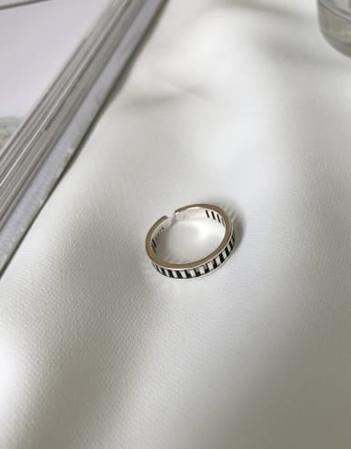 925 Sterling Silver With Antique Silver Plated Simplistic Rings