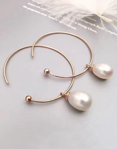 Oval Freshwater Pearl Hoop hoop earring