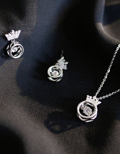 925 Sterling Silver With Platinum Plated Delicate Crown 2 Piece Jewelry Set