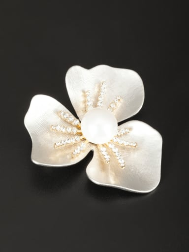 Gold Plated Flower Pearl White Lapel Pins & Brooche