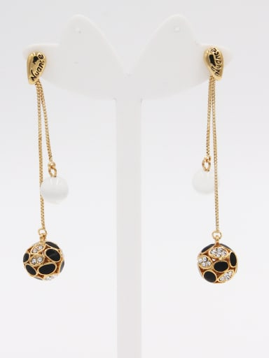 A Gold Plated Stylish  Rhinestone Drop drop Earring Of Round